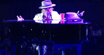 Axl Rose - November Rain - Houston